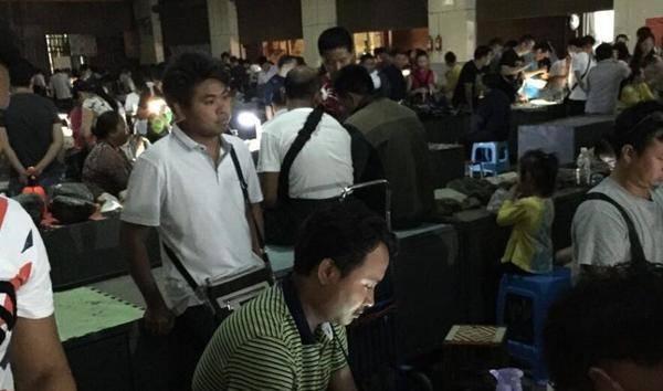 我随爷爷在云南中缅边界做翡翠原石的纪实-焦点中国网